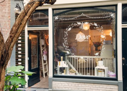 Dove pop-up store in Amsterdam