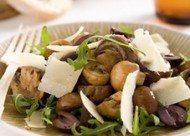 Salade met gemarineerde champignons