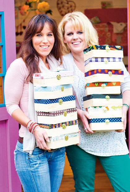 Vriendin 4: Kim en Wieke maken troostdoosjes voor kinderen