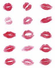 Jong met rode lippen