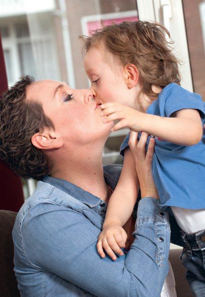 Vriendin 22: Ilonka en haar zoontje Kaj vochten samen tegen kanker
