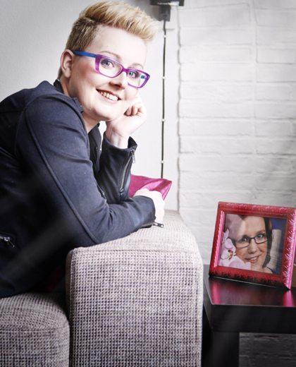 Vriendin 11: Vivians beste vriendin overleed aan een tumor in haar rug