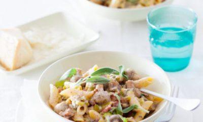 Recept voor penne met wiite champignons, spekjes en salie