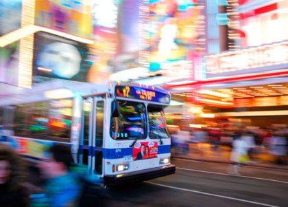 Verliefde buschauffeur trouwt met passagier