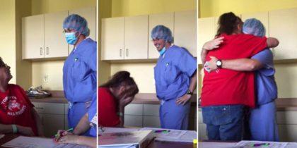 Kippenvel: zoon verkleedt zich als arts om zieke moeder te verrassen
