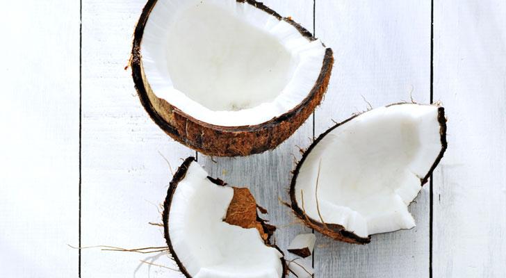 Zo maak je een kokosnoot open