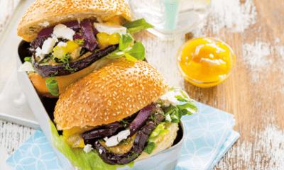 Recept voor hamburger-broodje met aubergine, tomaat en feta