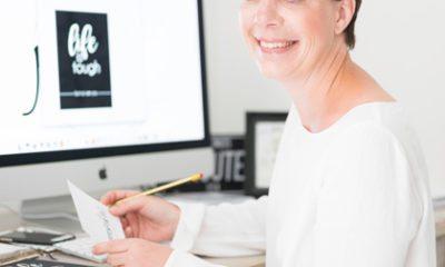 Claudia ontwerpt kaarten speciaal voor mensen met kanker