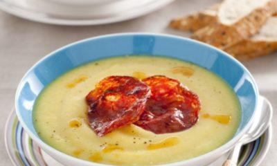 Recept voor bloemkoolsoep met chorizo en saffraan