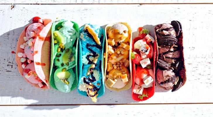 Zoete taco's gevuld met ijs en lekkers. Daar worden we blij van