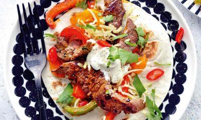 Recept voor fajita's met biefstuk, paprika en guacamole