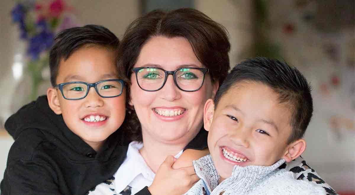 Yvonneadopteerde bewust twee kinderen met gezondheidsproblemen