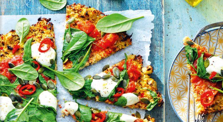 Recept voor bloemkoolpizza met lentegroente