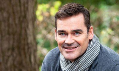 Jeroen van der Boom: 'Mijn gezin houdt me met beide benen op de grond'
