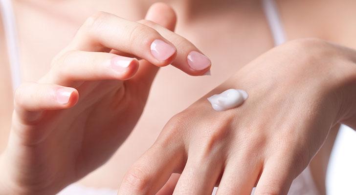4 tips tegen droge handen en de lekkerste handcrèmes