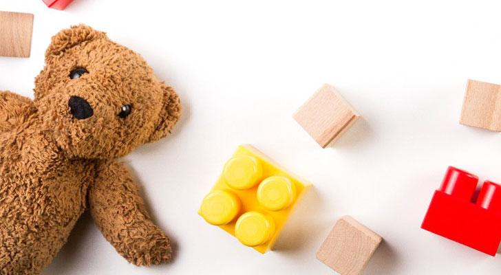 Knuffel en speelgoed. Ouders kunnen hun doodgeboren kindje vanaf zondag registreren