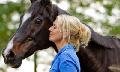 Dorris raakte eenzijdig verlamd: 'Mijn paard Trendy gaf me mijn leven terug'