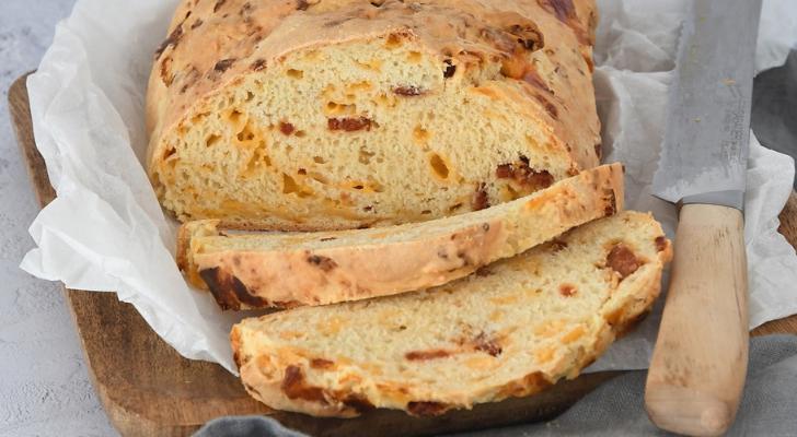 Recept voor soda bread met cheddar en chorizo van Laura's Bakery