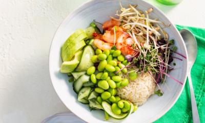 Recept voor groene sushibowl met garnalen