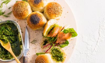 Recept voor breekbrood met dillepesto