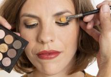 De visagist legt uit: zo gebruik je alle kleuren uit een oogschaduwpalet