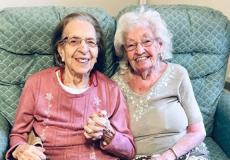 Ontroerend: Olivia en Kathleen zijn al tachtig jaar vriendinnen